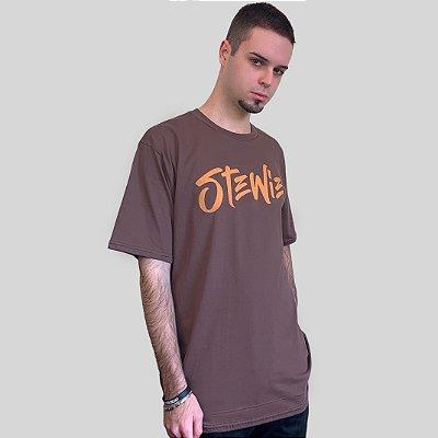 Camiseta Stewie Logo Marrom