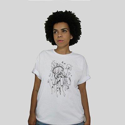 Camiseta Bleed Free Hugs Branca