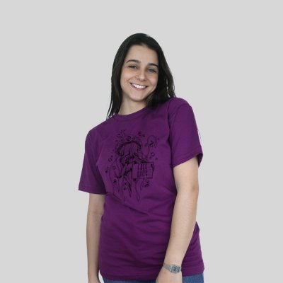 Camiseta Bleed Free Hugs Roxa