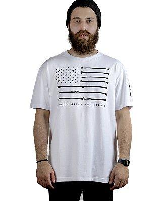 Camiseta Famous Bones Branca