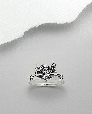 anel de prata envelhecida em formato de anjinho
