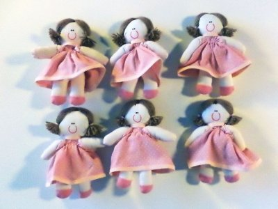 Kit 06 Peças: Boneca Miniatura Salmão Com Poá Branco