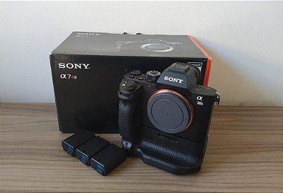 Sony a7r2 +Bateria + grip original + 2 baterias