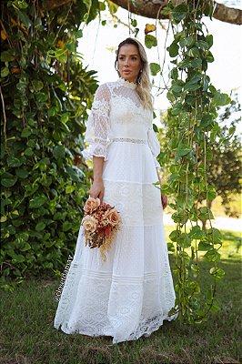 Vestido Paula de noiva longo, com mix de rendas e manga 3/4