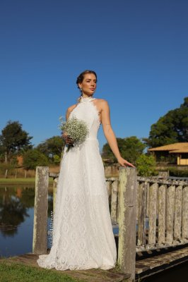 Vestido Adriana de noiva longo, com mix de renda e aplicações