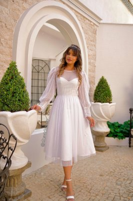 Vestido de noiva midi, com duas partes.  Peça exclusiva