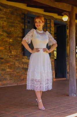 Vestido Gabriela, noiva lady like, com mix de renda e tule de poá