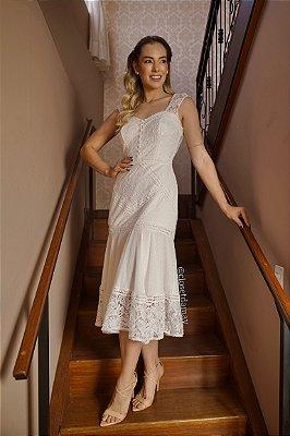 Vestido de noiva midi, com mix de rendas e leze