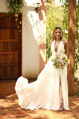 Vestido de noiva longo cruzado nas costas
