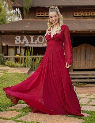Vestido longo em crepe de seda, com mangas longas, decote em V, saia fluida, para madrinhas convidadas.