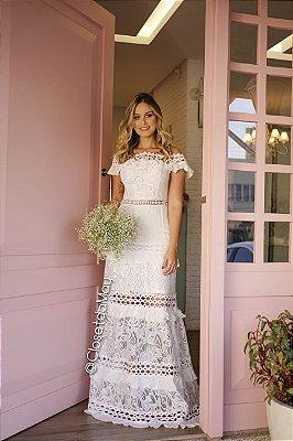 Vestido longo, off white, ombro a ombro. Para casamento, pré wedding, batizado, formatura, festa.