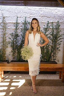 Vestido midi, em renda, decote em v com tule, off white. Para casamento civil, batizado, festas.