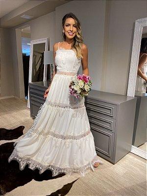 Vestido longo mix em renda, perfeito para noiva civil, pre wedding, casamento