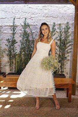 Vestido para casamento civil de renda midi de alças de renda decote tomara que caia, batizado, casamento simples, culto ecumênico
