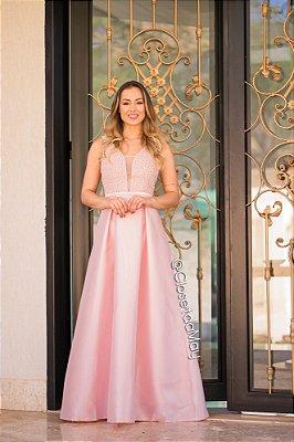 vestido longo com bordado em pérolas e detalhes de renda na parte de cima e costas, para casamentos, formaturas, festas