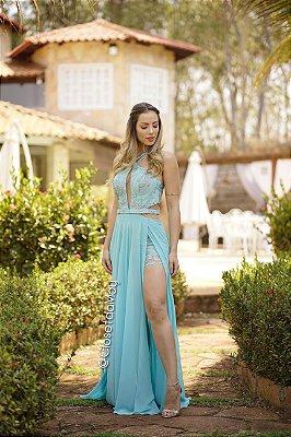 vestido longo hotpants com decote e fenda, busto em tule de renda