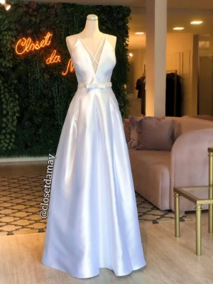 vestido de noiva longo, em zibeline, com cinto, decote v e alças finas, para casamento civil, cerimônia religiosa
