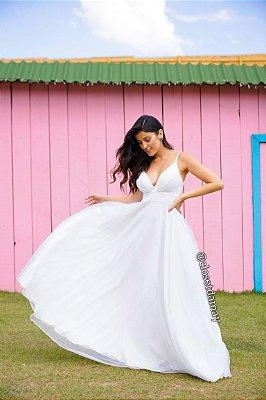vestido de noiva branco, com decote v, alças finas, para casamento civil, cerimônia na praia