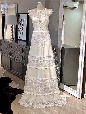 vestido de noiva longo, com mangas em babado, em mix de renda, para casamento civil, batizado