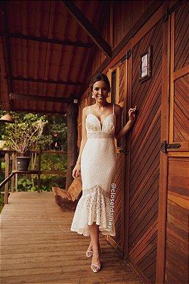 vestido de noiva em renda, alças finas, decote, babado, para casamento civil, batizado, renovação de votos