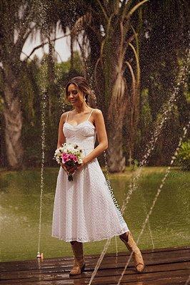 Vestido de noiva midi, alças finas, decote coração, para casamento civil, renovação de votos, e batizados.