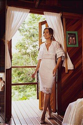 vestido de noiva midi, mangas 3/4 com babados, decote v, em renda, para casamento civil, renovação de votos