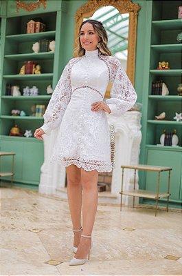 vestido branco de noiva, midi, gola alta, mangas longas, em renda e aplicações em guipir, casamento civil, batizados