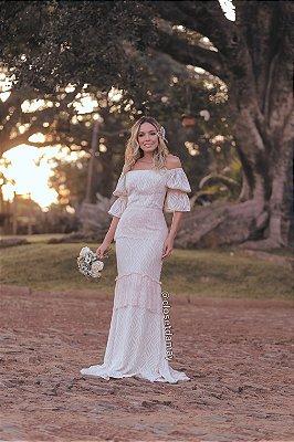 vestido de noiva ombro a ombro, babado na saia, casamento civil, casamento na praia, renovação de votos