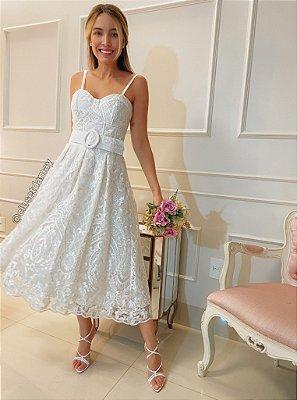 Vestido midi lady like para casamento civil e religioso