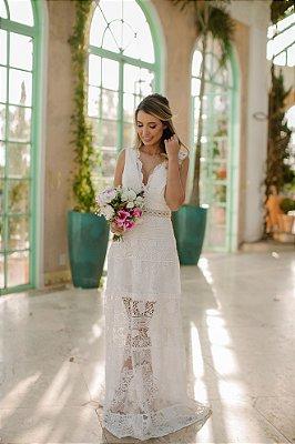 Vestido longo, em mix de rendas, para casamento civil e casamento religioso