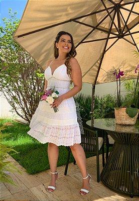 Vestido midi rodado em lese de alças , para casamento civil e pre wedding