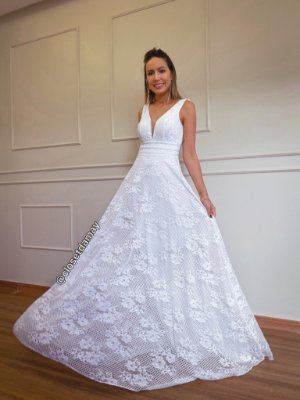 Vestido longo em renda, decote V em tule, tiras na cintura, para casamento civil e casamento religioso