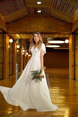 Vestido Isabela longo com saia em crepe de seda e corpo em renda, para casamento religioso