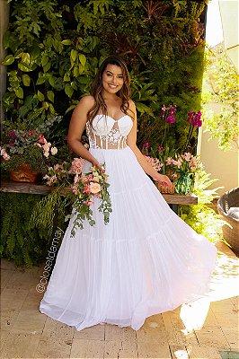 Vestido de noiva longo, tomara que caia, com bojo, modelo corselet em tule, saia fluida em camadas