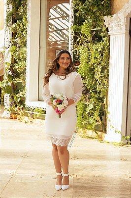 Vestido midi, manga longa, barra e punho em renda, para casamento civil e casamento intimista