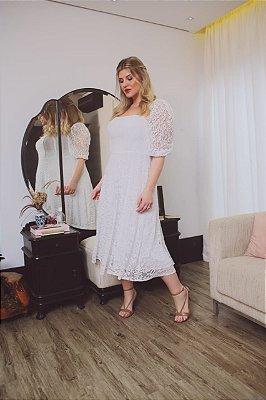 vestido branco midi de renda plus size