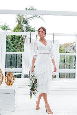 Vestido midi, com mangas, para casamento civil e jantar de noivado