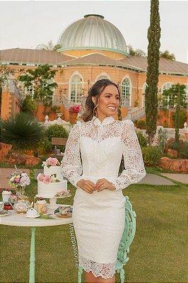 vestido de noiva em renda com tule, poá, manga longa, off white, com botões, ideal para casamento religioso, casamento civil, casamento intimista.
