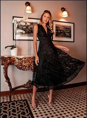 vestido de festa midi em renda com tule no busto, ideal para festa de formatura, baladas.
