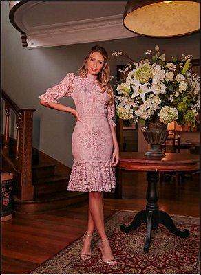vestido de festa midi com renda e manga, gola alta, ideal para festa de formatura, baladas, chá de revelação.
