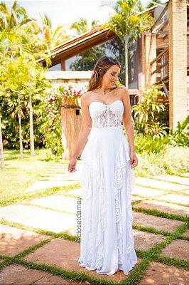 Vestido de noiva, longo sem alças, com bojo em meia taça, e crepe de seda. Para casamento civil, e na praia.