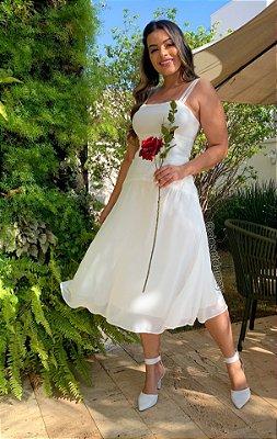 Vestido de noiva de alça, com detalhes na cintura, ideal para para casamento no religioso, casamento civil