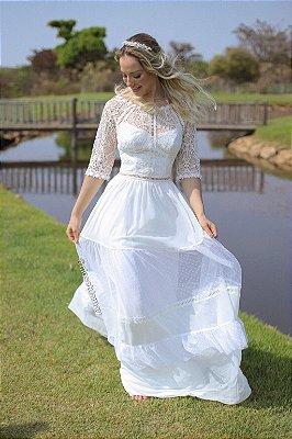 Vestido Aurora noiva longo, de manga 3/4, com mix de rendas. Ideal para casamento religioso, casamento civil, ensaio pré wedding