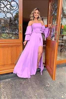 Vestido de festa, ombro a ombro com cinto, e mangas bufantes. Para madrinhas de casamento, convidadas, e formandas.