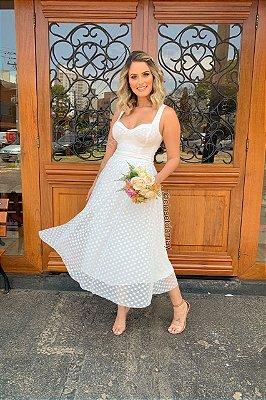 Vestido Lady Like, alça, e bojo, crepe de poá. Ideal para casamento civil, jantar de noivado, e batizados.
