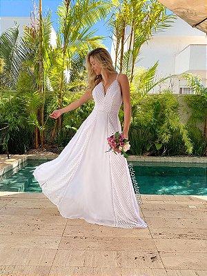 Vestido de noiva longo, em crepe bordado, com detalhes em gripir. Para casamento e religioso, e casamento no campo.