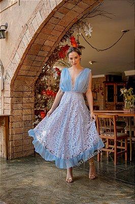 Vestido Lady Like, com barra lenço, e mix de rendas. Para madrinhas de casamento e convidadas.