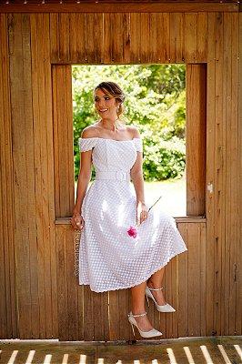 Vestido midi Dalila, manga curta, detalhes na estampa e cinto. Ideal para casamento no civil e noivado