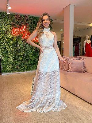 Vestido de noiva longo, frente única, gola alta, recorte no busto e mix de rendas