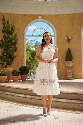 Vestido de noiva midi, com alças, todo em renda